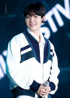 Baekhyun - 170915 Lotte Duty Free Family K-Pop Concert Credit: 만정도화.