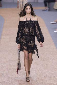 Pin for Later: Your Guide to Paris Fashion Week's Biggest Trends  Chloé Spring 2016