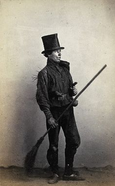 A chimney sweep poses for Carrick and McGregor. Carrick had established himself as professional photographer shortly after opening his studio in St Petersburg. Antique Photos, Vintage Pictures, Old Pictures, Vintage Images, Old Photos, Vintage Men, Victorian London, Victorian Era, Portraits Victoriens