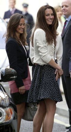 Pippa Middleton Pictures - Kate Middleton and Family Outside the Goring Hotel - Zimbio