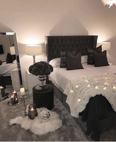 Boho Dekoration Minimalist bedroom, master bedroom, organization bedroom, white bedroom, bohemian be Dream Bedroom, Chic Bedroom, Master Bedrooms Decor, Room Ideas Bedroom, Small Master Bedroom, Minimalist Bedroom, Home, Aesthetic Bedroom, Home Decor