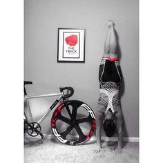 Sundays are for bikes and yoga. #jammiestochamois #ridethetrack #fixie by hurricane_korina
