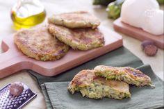 La cotoletta di zucchine e scamorza, è uno sfizioso antipasto da gustare caldo: polpettine schiacciate di zucchine e scamorza cotte in padella.