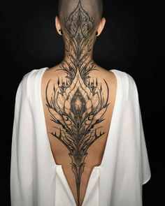 Thanks to for my new back piece 💜 yes it hurt, ye… - Body Art Back Tattoos, Future Tattoos, Body Art Tattoos, Girl Tattoos, Sleeve Tattoos, Tattoos For Women, Strong Tattoos, Tatoos, Maori Tattoos