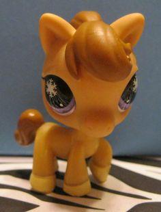 Littlest Pet Shop #684 Tan Horse w/ Snowflake Eyes