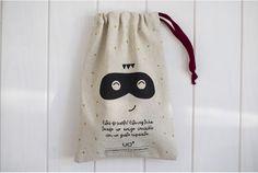 "Kit ""Amigo Invisible"" Bolsa tela Jack Sparrow, Merry Little Christmas, Secret Santa, Christmas Inspiration, Chocolates, Bag Making, Biodegradable Products, Scrapbooking, Gift Wrapping"