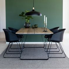 20 Trendy Dining Room Wall Colors to Transform Your Space Dining Room Walls, Dining Room Design, Dining Room Furniture, Interior Design Living Room, Living Room Decor, Modern Dining Room Lighting, Modern Lighting, Luxury Lighting, Esstisch Design