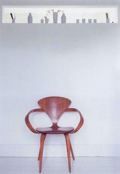 Cherner armchair via Peggy Wong (bluepoolroad blog)