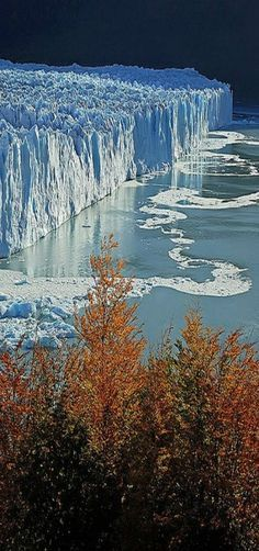 Parque Nacional de Los Glaciares, Patagonia Argentina - Saul Santos Diaz (****See similar Pins of the Glaciers of Argentina in this Board. Ushuaia, Places To Travel, Places To See, Travel Destinations, Wonderful Places, Beautiful Places, Amazing Places, Places Around The World, Around The Worlds