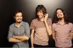 A banda O Terno se apresenta no Puxadinho da Praça na terça-feira, 22