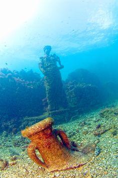 The Underwater Archaeological Park of Baiae, Italy. (Credit: Stefano D'Urso-Centro Sub Campi Flegrei)