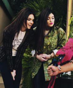 жKardashian-Jenner-Argentinaж