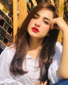 Most Wanted Pakistani Celebs Stylish Girls Photos, Stylish Girl Pic, Girl Photos, Beautiful Pakistani Dresses, Beautiful Hijab, Beautiful Lips, Pakistani Girl, Pakistani Actress, Cute Girl Poses