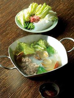 Recipe : エスニック鍋/いろんな旨みが凝縮! 〆に麺やごはんを入れても◎。 #レシピ #Recipe