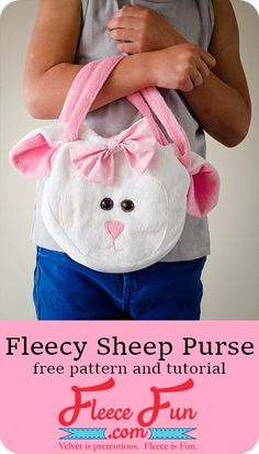 Fleecy Sheep Purse DIY tutorial (free pattern).  Every little girl loves purses! The perfect Christmas gift for the little girl on your list!