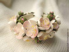 Купить Цветы из кожи.Украшение женский кожаный браслет ЯБЛОНЕВЫЙ ЦВЕТ - браслет из кожи