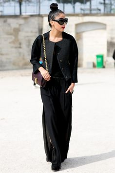 f03394ff8fb Denni rocking a major blackout. Paris.  DenniElias  ChicMuse Wearing All  Black