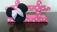Servilleteros con palitos de madera - Dale Detalles Gold Birthday Party, Mickey Mouse Birthday, Minnie Mouse Party, Mouse Parties, Birthday Party Decorations, 2nd Birthday, Popsicle Stick Crafts, Craft Stick Crafts, Diy And Crafts