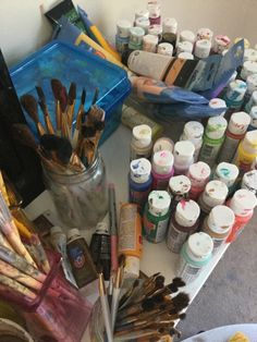 I love the smell of paint, especially to create color combinations on the palette, a creative orgasm....