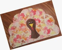 Cute Turkey place mat idea for Thanksgiving. FREEBIE