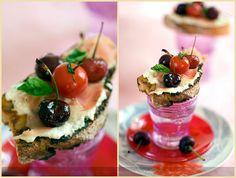 #Vanilla and #Ginger-Flavored #Cherries on a Tartine - #Tartine et #cerises #vanillées au gingembre