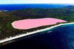 Загадочное розовое озеро Хиллер в Австралии