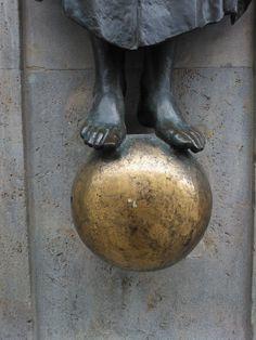 Ein 3D-Dot - manchmal ein Balanceakt, immer golden. ;-)