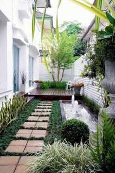 Fascinating back garden gravel ideas to refresh your garden Small Backyard Gardens, Backyard Garden Design, Terrace Garden, Small Patio, Backyard Patio, Outdoor Gardens, Small Decks, Yard Design, Sloped Backyard