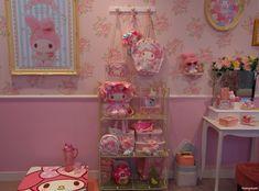 "matryokeshi: ""My Melody room in Sanrio Puroland, Tokyo, Japan "" Pretty Room, My Melody, Precious Moments, Dream Bedroom, Sanrio, My Room, Tumblr, My Dream Home, Kawaii"