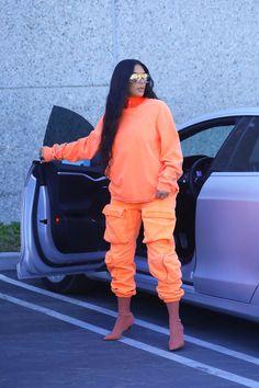 Kim Kardashian West is Modeling Yeezy on the Street Again Ki. - Kim Kardashian West is Modeling Yeezy on the Street Again Kim Kardashian in Yee - Kim Kardashian Blazer, Kim Kardashian Bikini, Estilo Kardashian, Kim Kardashian Yeezy, Kim Kardashian Before, Kim Kardashian Wedding, Kim Kardashian And Kanye, Kardashian Style, Kardashian Fashion