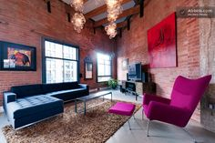 Large Bright Gastown Loft 1200sqft in Vancouver, Canada