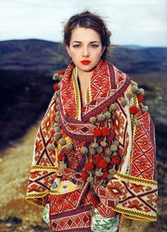 I like pom poms, I cannot lie  For more ethnic fashion inspirations and tribal style visit www.wandering-threads.com