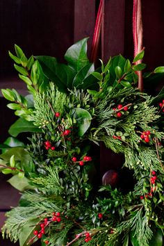 Making A Wreath Of Mixed Greenery Into Eight Simple Steps Perfect For Beginners Follow  C B Make Your Own Wreath Christmasfresh Christmas Wreathschristmas