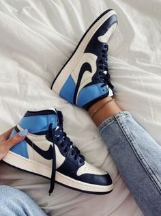 Dr Shoes, Cute Nike Shoes, Swag Shoes, Nike Air Shoes, Hype Shoes, Sneakers Nike, Cool Womens Sneakers, Jordan Sneakers, Sneakers Women