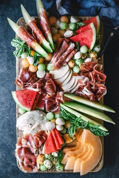 Melon and Prosciutto Platter Recipes fast food drinks Charcuterie And Cheese Board, Charcuterie Platter, Antipasto Platter, Cheese Boards, Tapas Platter, Snack Platter, Meat Platter, Seafood Platter, Antipasta Platter Ideas