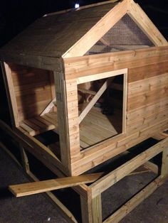 This is the luxury coop I built for our 5 chickens about 6 months ago. Now that the weather has finally thawed, I thought I'd post some pictures. Chicken Coop Pallets, Backyard Chicken Coops, Chicken Coop Plans, Diy Chicken Coop, Chickens Backyard, Pallet Coop, Chicken Life, Chicken Coop Designs, Raising Chickens