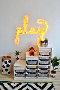 www.kedvencotthon.blogspot.hu   DIY led cable light in our playroom.
