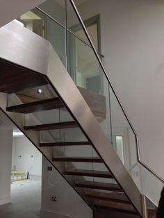 Stainless Steel Stringer and Glass Staircase