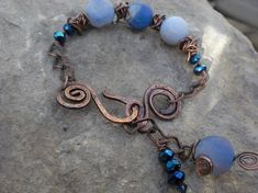 blue bracelet......I would use silver wire to make this.....love, love it.!