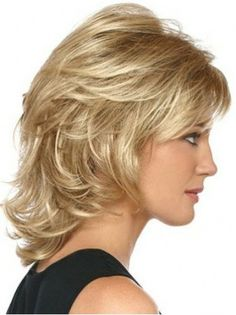 Durable Blonde Wavy Chin Length Classic Wigs