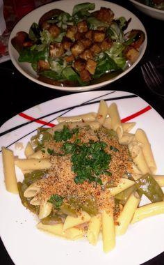 Abends bei Steffi dann sehr leckere Pasta, dies nicht zum ersten Mal gab und dazu Feldsalat mit Tempeh-Croutons (wie ich die liebe!)