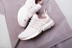 Купить женские розовые кроссовки Nike WMNS Air Presto PRM - изображение 3 картинки