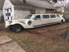 This limo has been sitting outside and has not been used for at least two years. This limo is an unknown mechanical status and does not start, best guess is it needs new starter. If you buy this limo, plan on having it towed. This limo has a grey interior with a black wood bar....