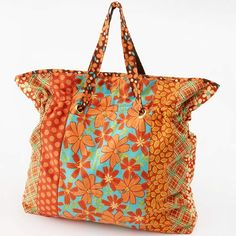 Cinch It Tote. I like this pattern. i think I will try using those bigger grommets and a little sturdier straps...