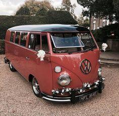 Best classic cars and more! Volkswagen Transporter, Volkswagen Bus, Vw T1, Bus Camper, Campers, Vw Samba Bus, Kombi Trailer, Vans Vw, Combi Ww