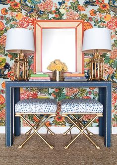 Modern Chinoiserie-Chang mai on the walls, Celine Grasscloth Parsons Table – Society Social Design Entrée, House Design, Living Room Decor, Bedroom Decor, Mirror Bedroom, Bedroom Lamps, Entryway Decor, Chinoiserie Chic, Plywood Furniture