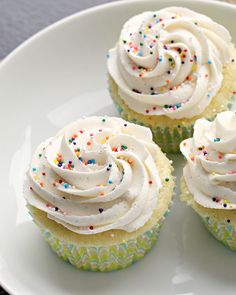 THE Perfect Vanilla Cupcakes