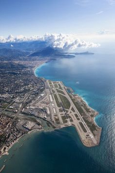 Nice airport, what a fantastic view ! Nice, Belle France, South Of France, Nice Cote D Azur, Nice Ville, Aviation World, Villefranche Sur Mer, Arquitetura, Provence