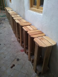 Wood Door Frame, Wood Doors, Bar Table Diy, Pallet Projects, Diy Projects, Bars For Home, Pallet Furniture, Wood Crafts, Bar Stools