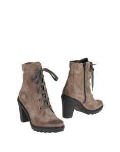 OTTO E DIECI  Ankle bootsYOOX Collection: Fall-Winter